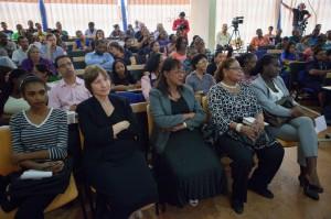 Onder de genodigden bevonden zich onder andere Dr. Nancy Robinson, vertegenwoordigster van de OAS in Suriname, mevrouw Lydia Ravenberg van het Bureau Mensenrechten, en assembleelid Riad Nurmohamed