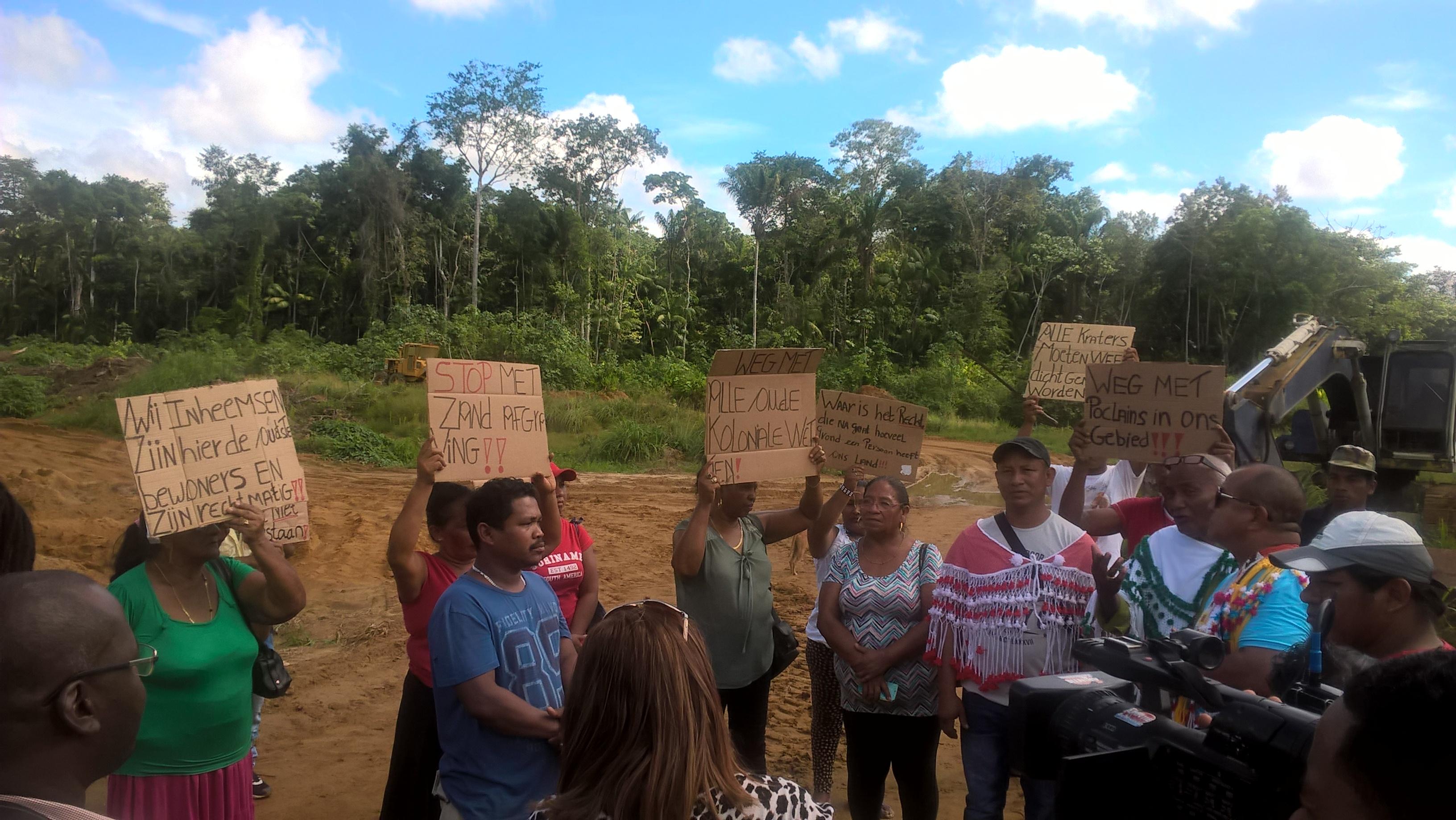 Protest Maho 1